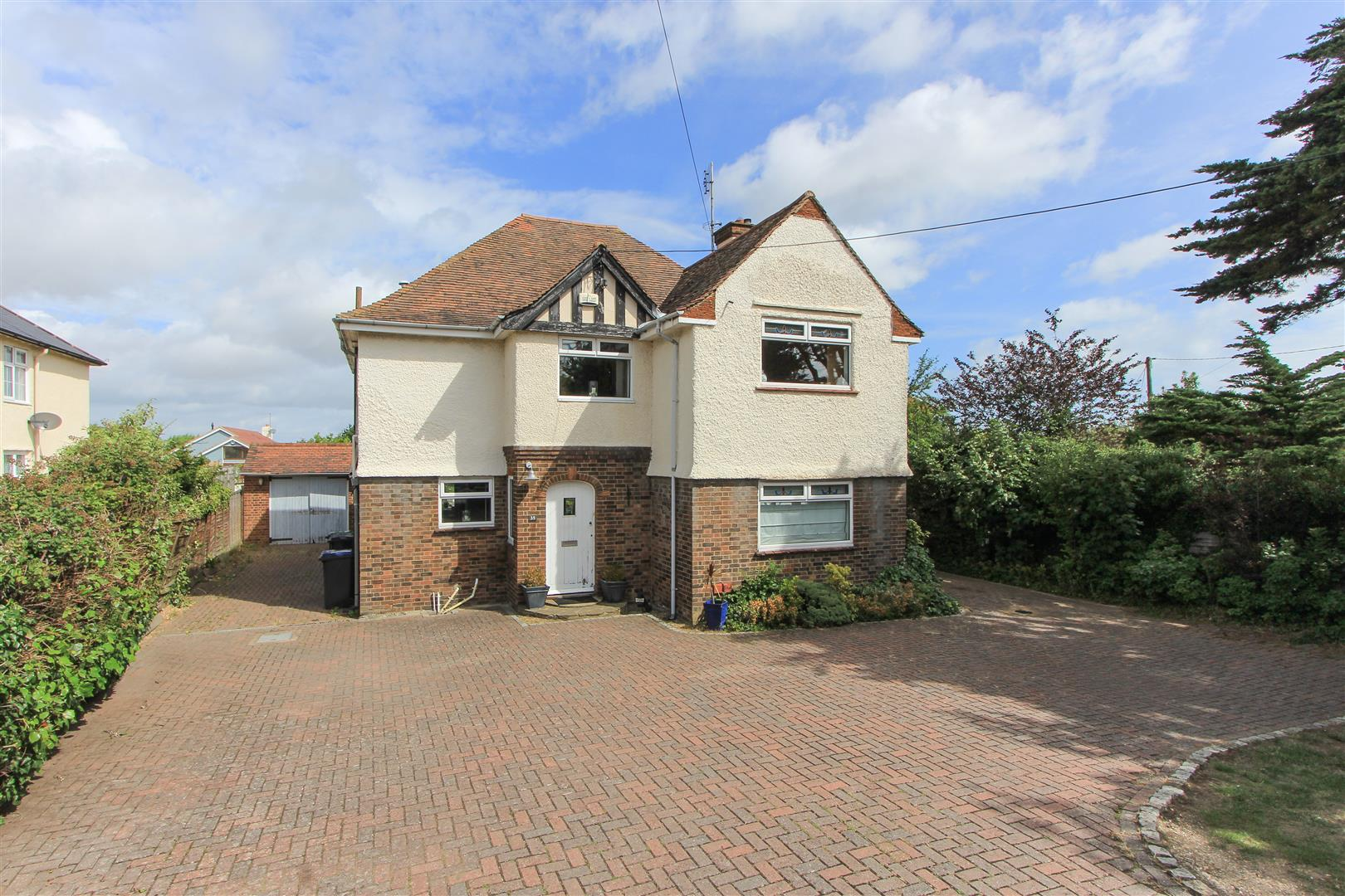 5 Bedrooms Detached House for sale in Joy Lane, Whitstable